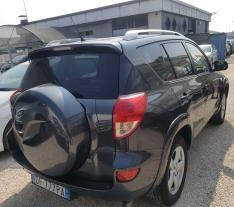 LITTORAL Douala Toyota rav4, D4D, 2.2 full option à vendre